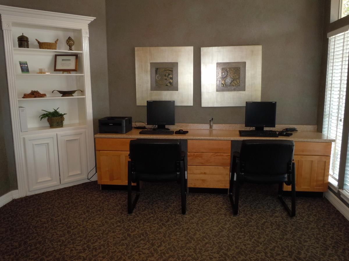 Business Center at Listing #138680