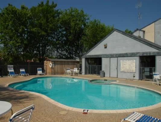 Pool at Listing #140410