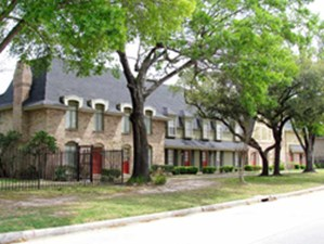Exterior at Listing #138523