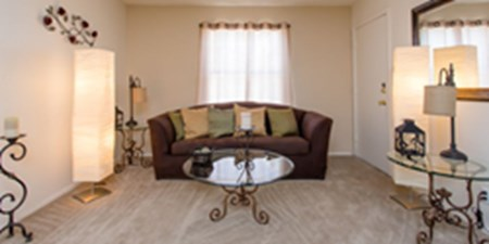 Living Area at Listing #140406