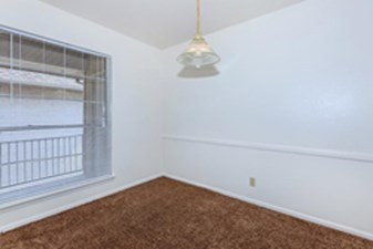 Bedroom at Listing #141162