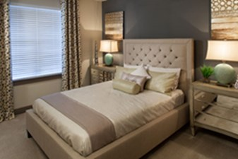 Bedroom at Listing #225976