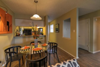Dining at Listing #140994