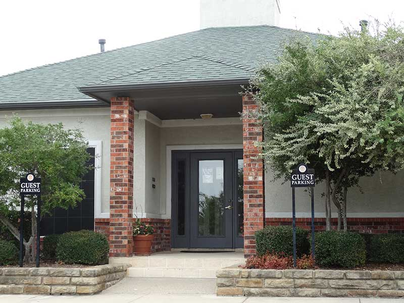 Exterior at Listing #147039