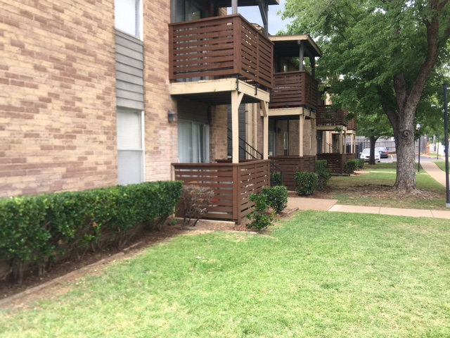 Exterior at Listing #136749