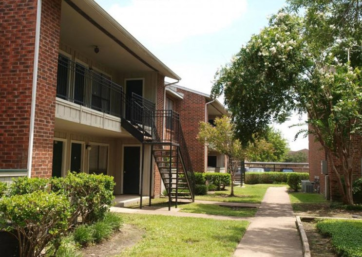 Rockridge Bend Apartments