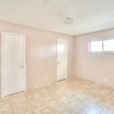 Bedroom at Listing #215291