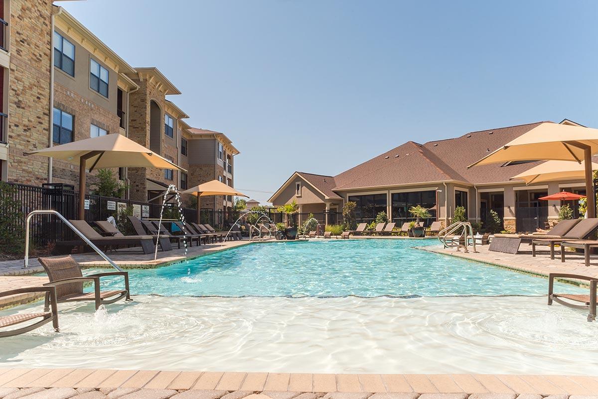 Pool at Listing #292490