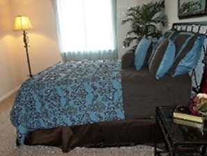Bedroom at Listing #139861