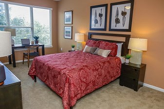 Bedroom at Listing #154069