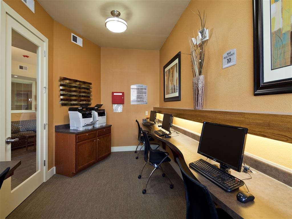 Business Center at Listing #155258