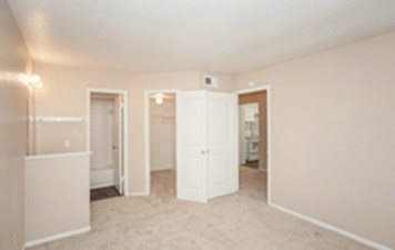 Bedroom at Listing #139836