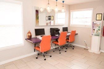 Business Center at Listing #140558