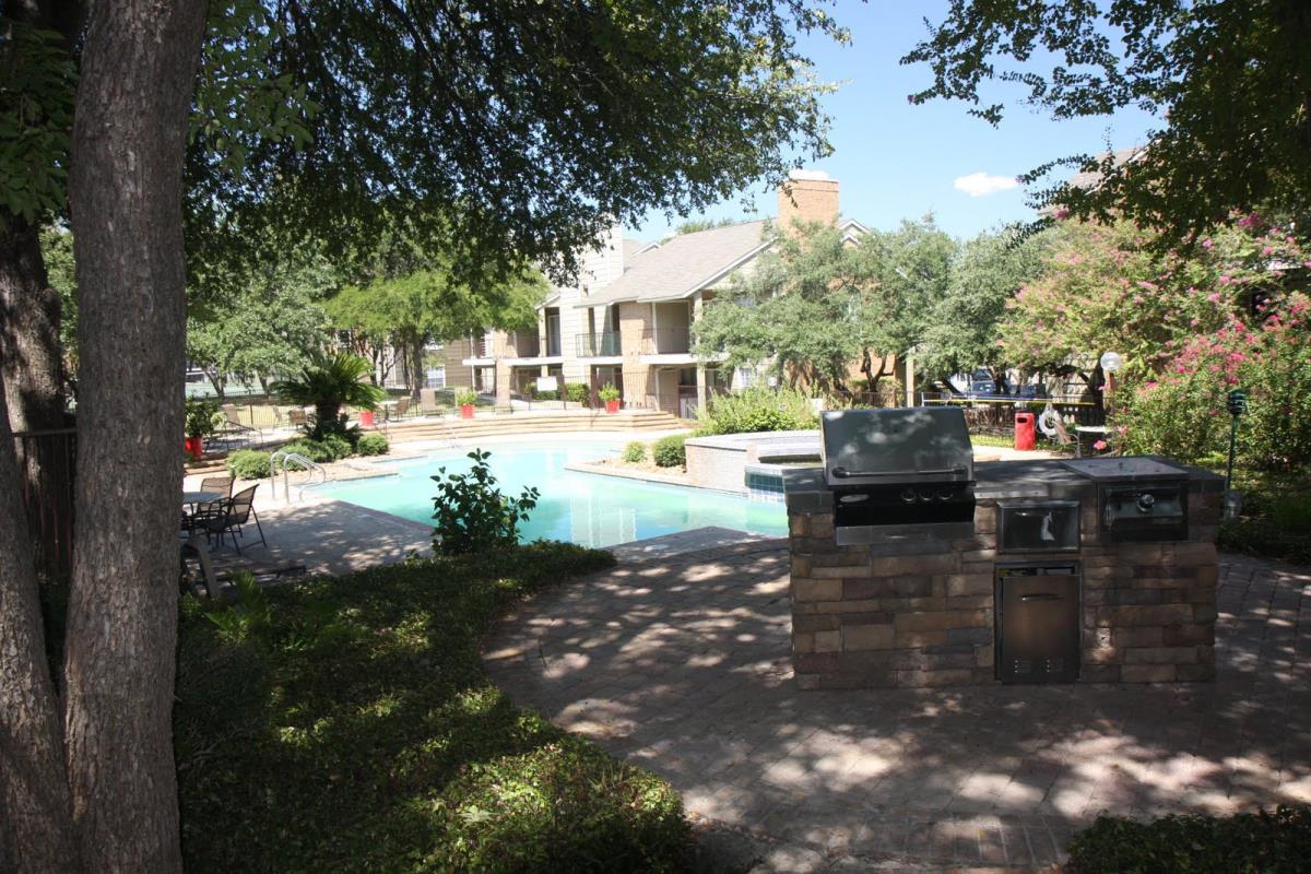 Renata on Fredericksburg Apartments San Antonio TX