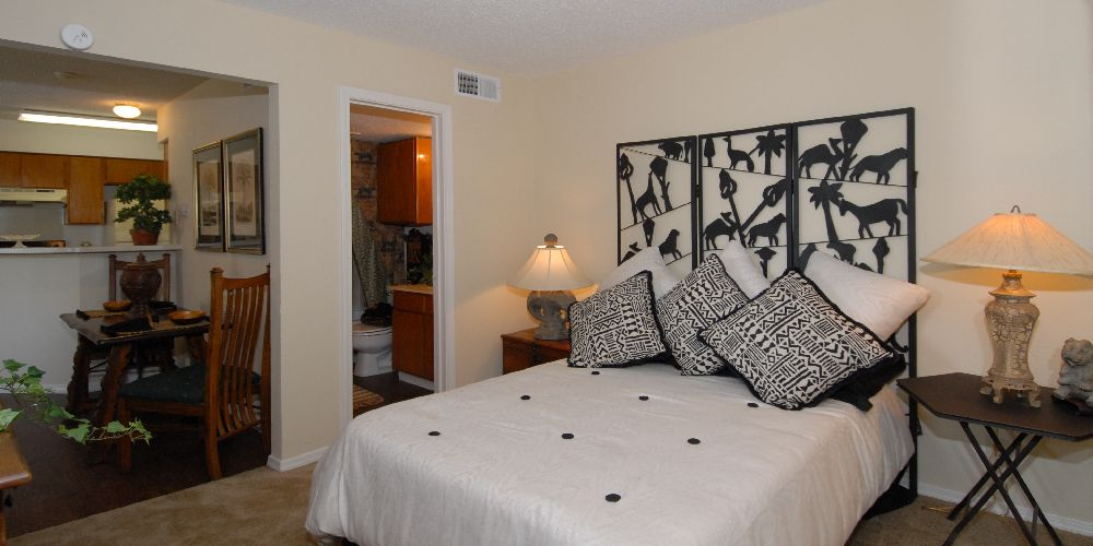 Bedroom at Listing #136138