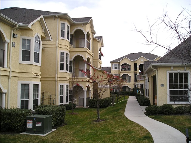 Exterior at Listing #140718