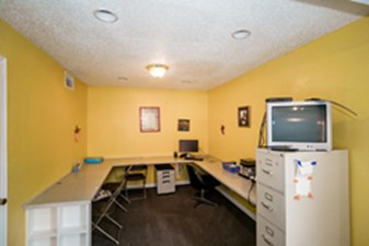 Business Center at Listing #138132