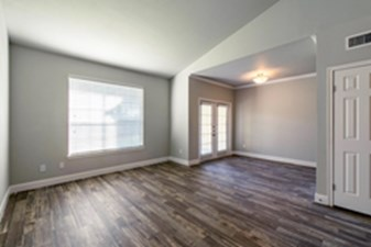 Living at Listing #139448