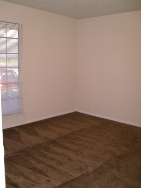 Bedroom at Listing #137230