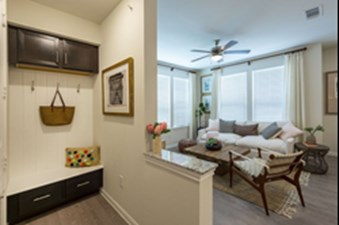Living at Listing #309736