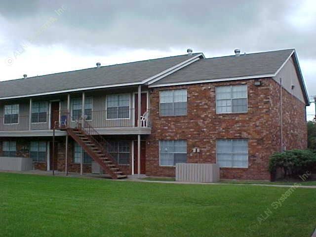 Exterior 3 at Listing #138470