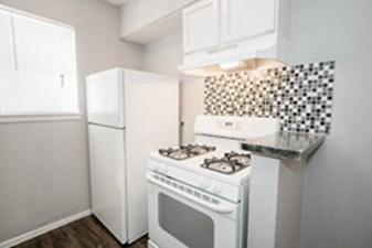 Kitchen at Listing #137207