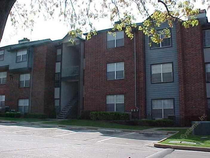 Falcon Ridge Apartments