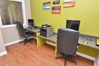 Business Center at Listing #139995