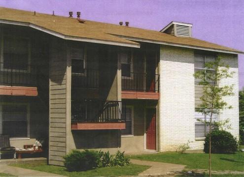 Kaufman Place Apartments Ennis, TX