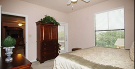 Bedroom at Listing #144443