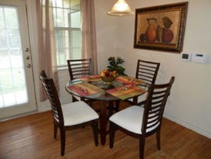 Dining at Listing #144690