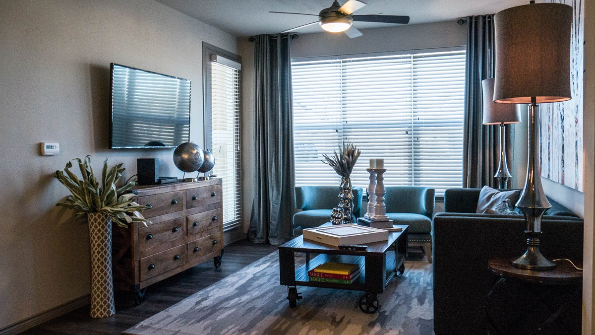 Living at Listing #280599