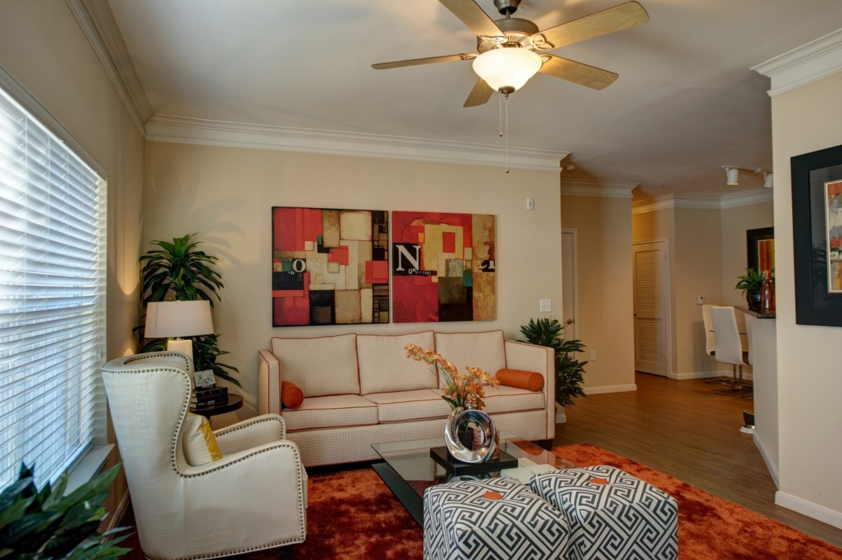 Living at Listing #145059
