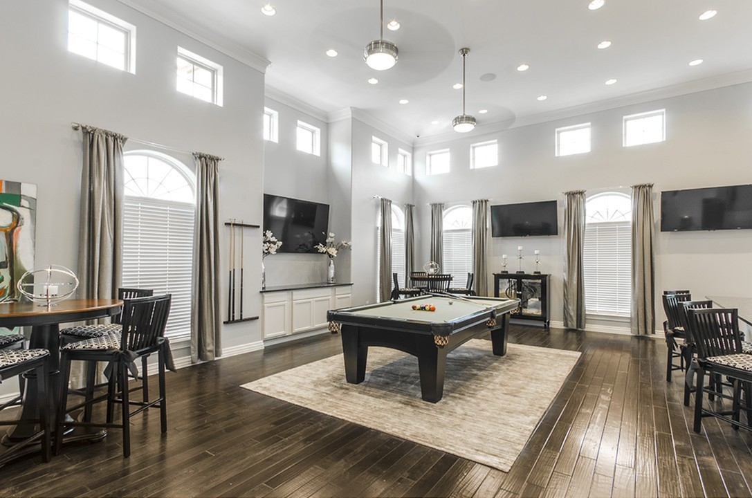 Gameroom at Listing #266403