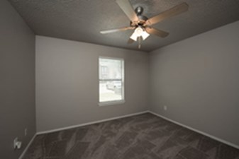Bedroom at Listing #136251
