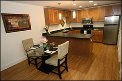 Dining at Listing #140329