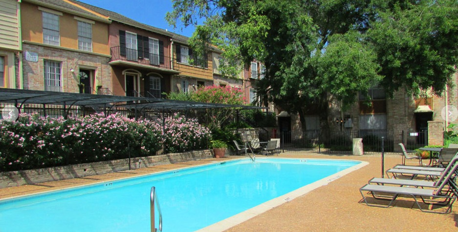 Pool at Listing #138898