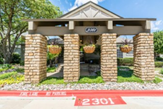 Entrance at Listing #136931
