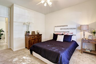 Bedroom at Listing #151992