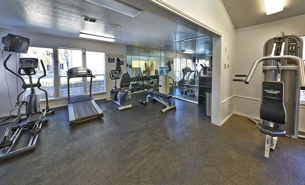fitness center at Listing #136892