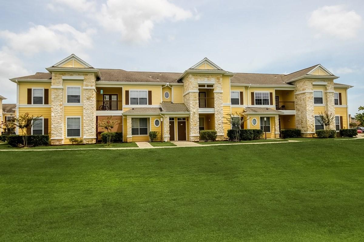 Edgewater Apartments Lake Jackson, TX