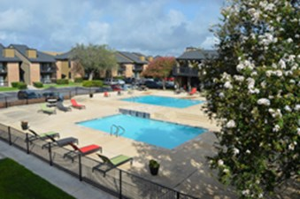 Pool at Listing #141127