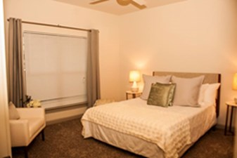 Bedroom at Listing #276939