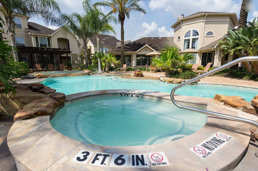 Hot Tub at Listing #144195