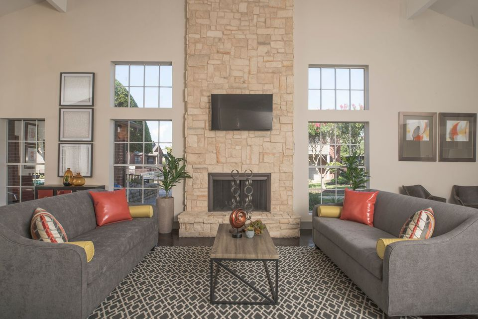 Lounge at Listing #136306