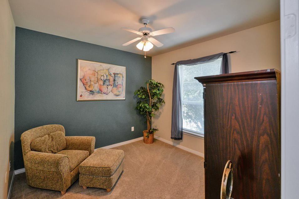 Living Room at Listing #137686
