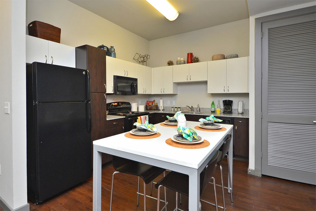 Kitchen at Listing #153290
