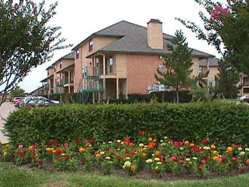 Villa Monterrey Apartments
