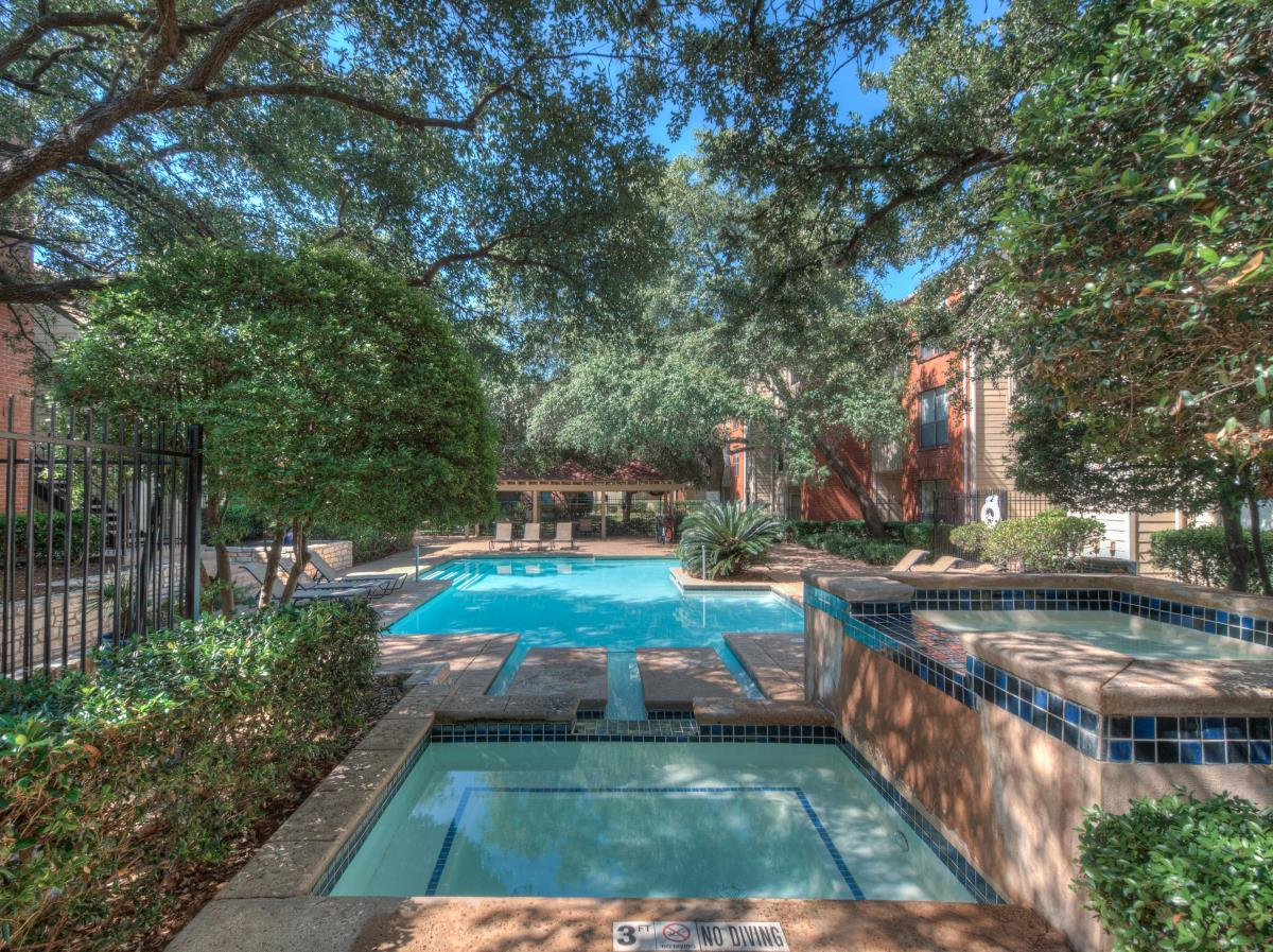 Woodchase Apartments Austin TX