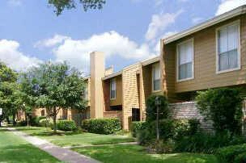 Briar Court Apartments